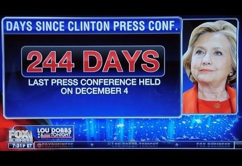 "Hillary Clinton Applauded & Hugged At First ""Press Conference"" In 244 Days"